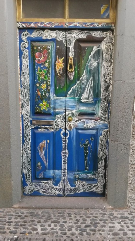 25 Beautiful Doors Around The World 009